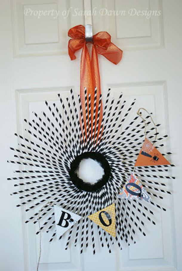 Straws and Banner Halloween Wreath