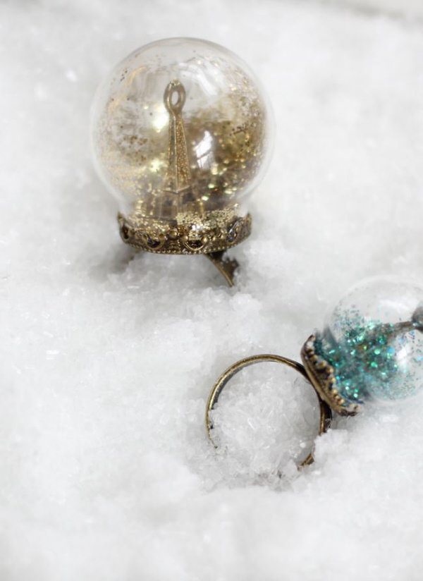 Snowglobe Rings hello natural
