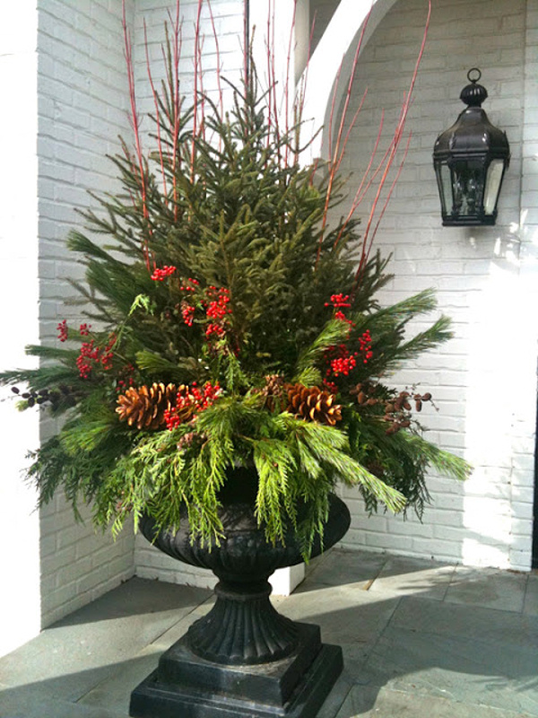 Create Winter arrangements in urns tutorial 5th and state