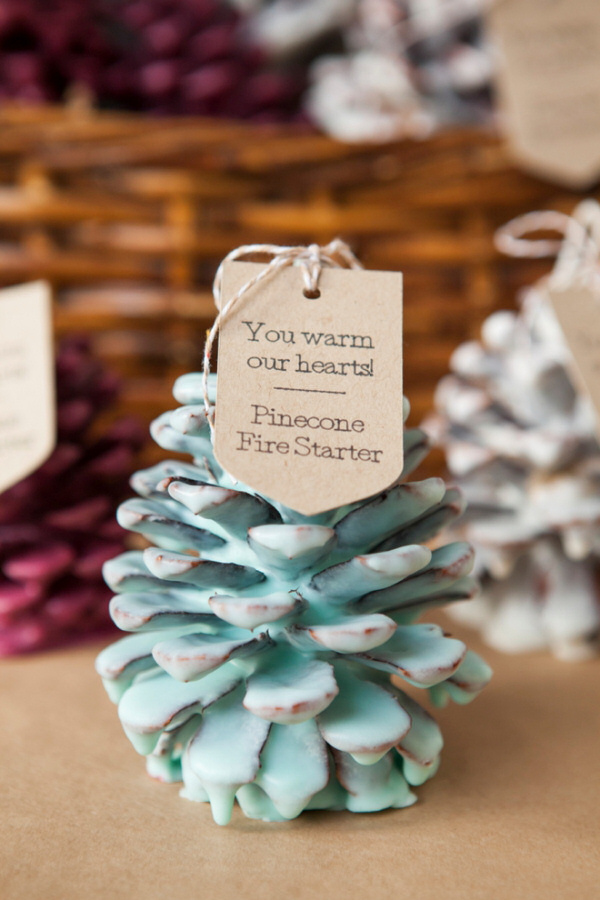 SomethingTurquoise-DIY-Pinecone-Fire-Starter-Favors_0003