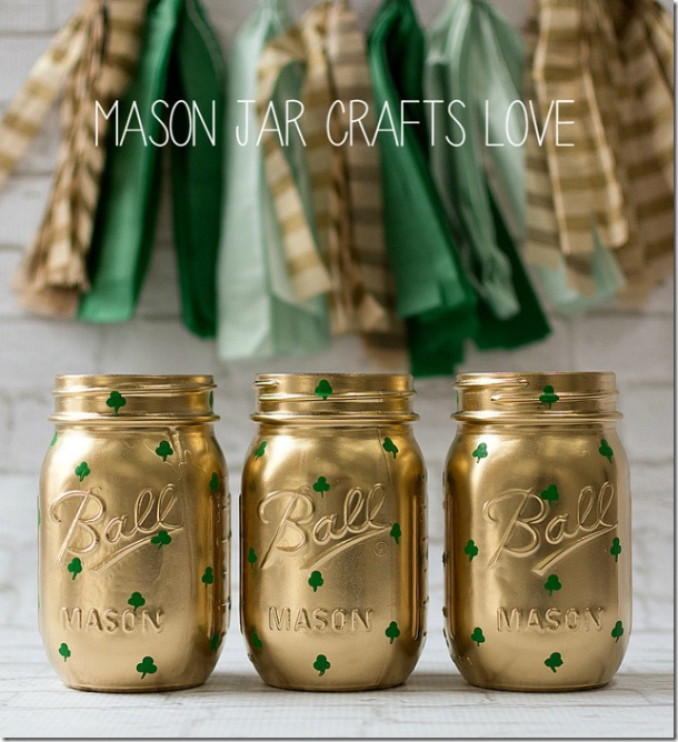 shamrock-mason-jars-st-pats-day-decor-Mason Jar Crafts Love