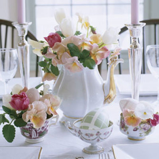 Teapot Vase Centerpiece via delish