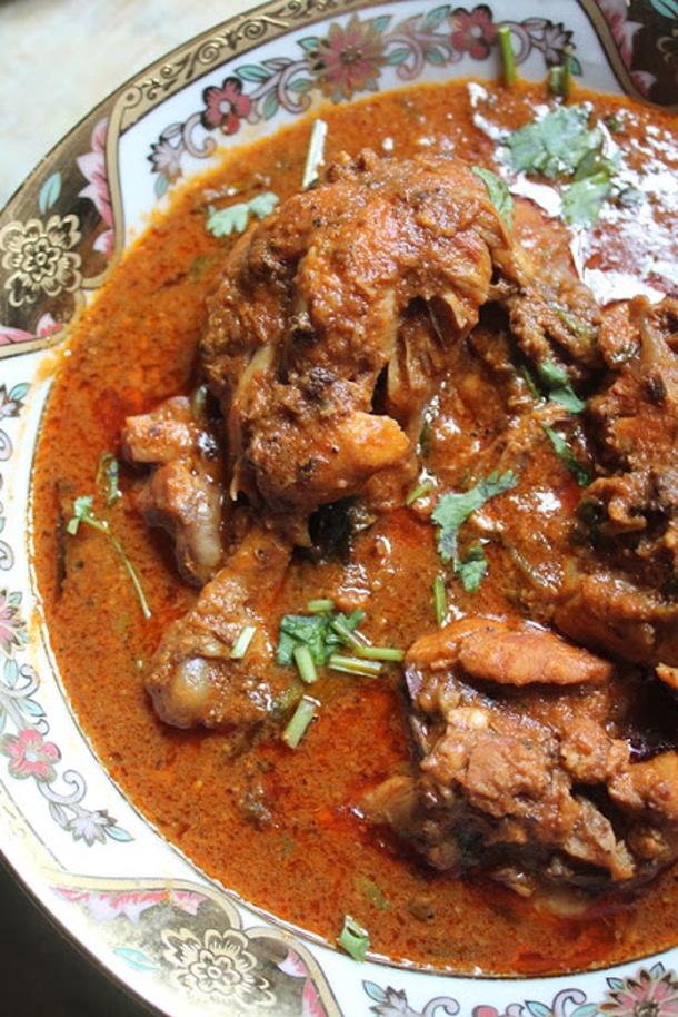 Chicken Curry Recipe - Kolhapuri Chicken Curry Recipe via Yummy Tummy