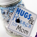 Hugs and Kisses for Mom printable gift tags