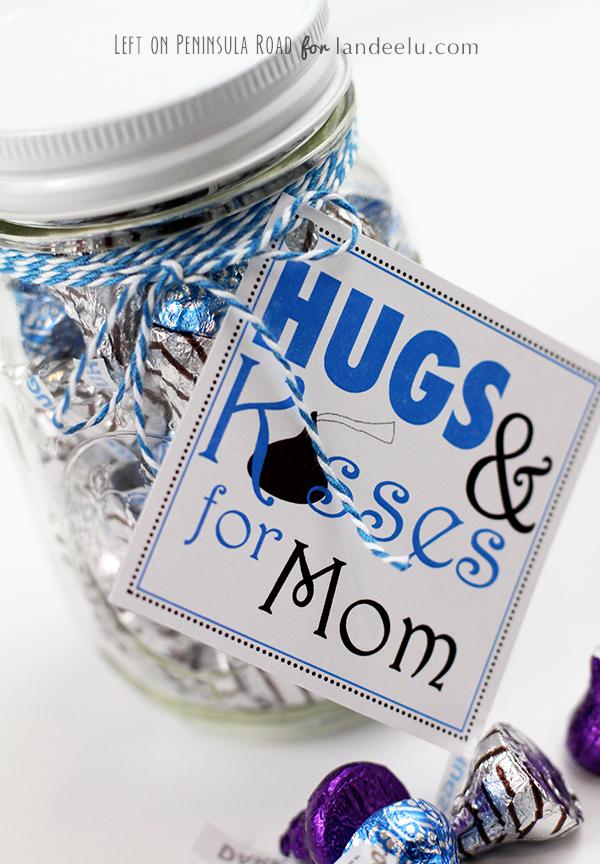 Hugs and Kisses for Mom printable gift tags