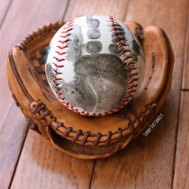DIY Fathers Day Gift Ideas - Child Handprint Baseball Tutorial with Poem to attach for the perfect gift for Dad via Sunny Day Family
