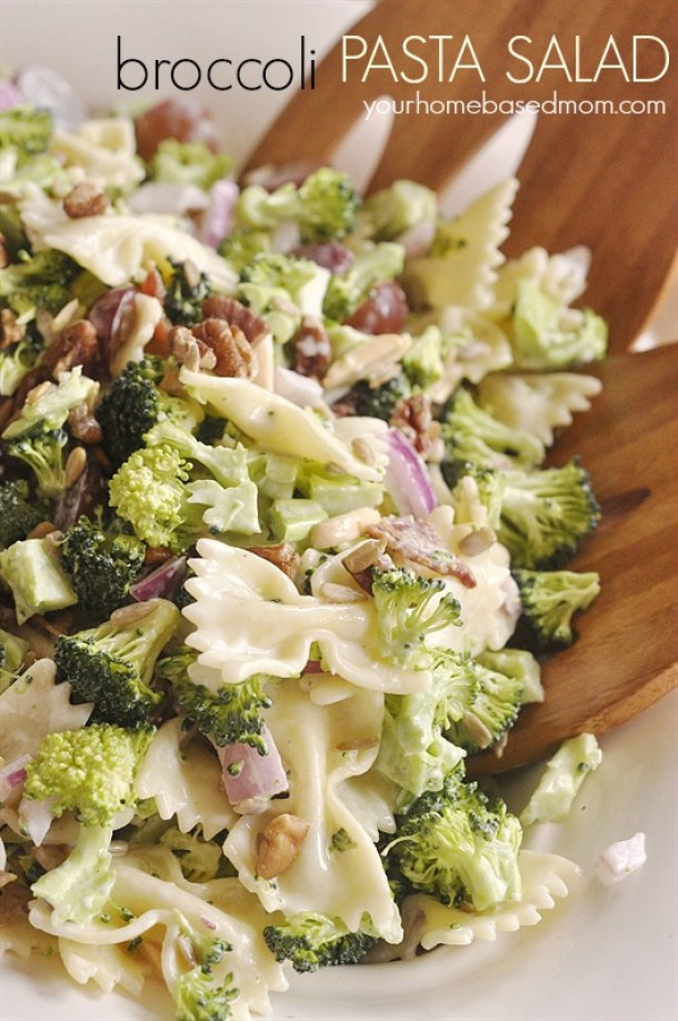 Broccoli Pasta Salad Recipe - The perfect side dish for potlucks and barbecues! Recipe via Your Homebased Mom
