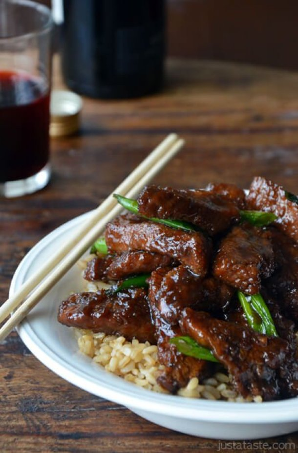 Beef Recipes - {PF Chang Inspired Recipe} 30 Minute Mongolian Beef Recipe via Just a Taste