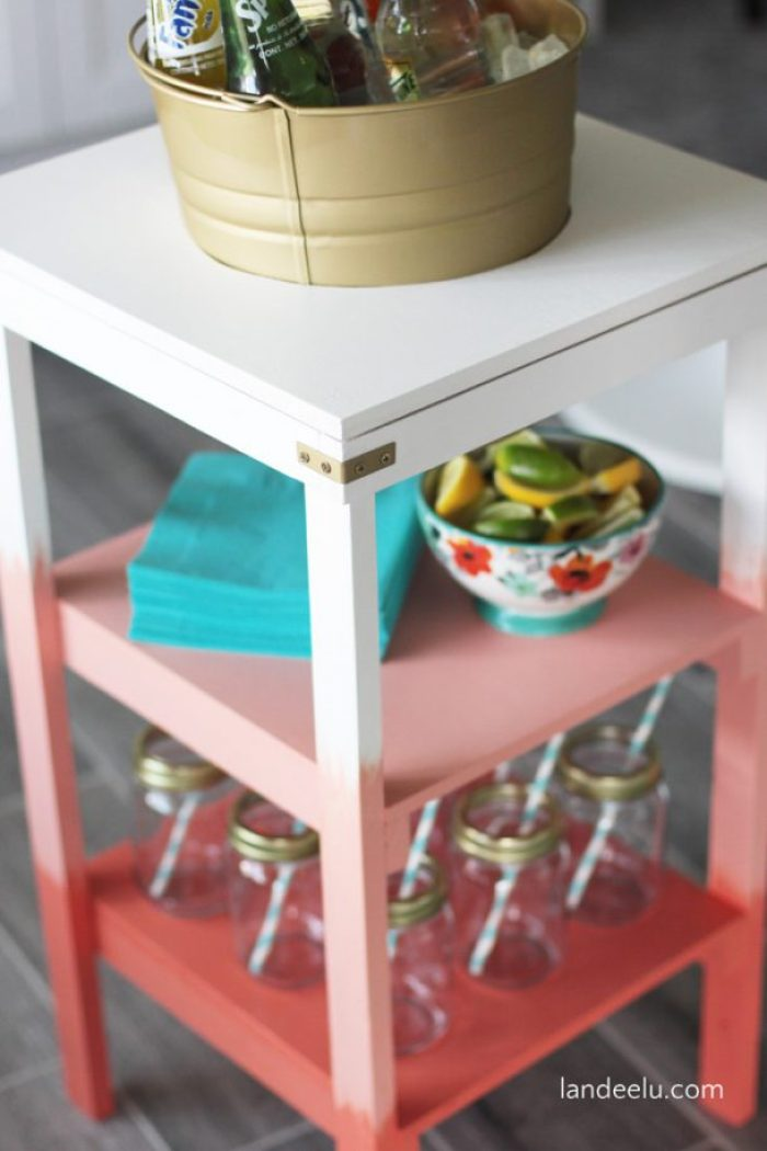 Love the ombre effect on this fun beverage station!