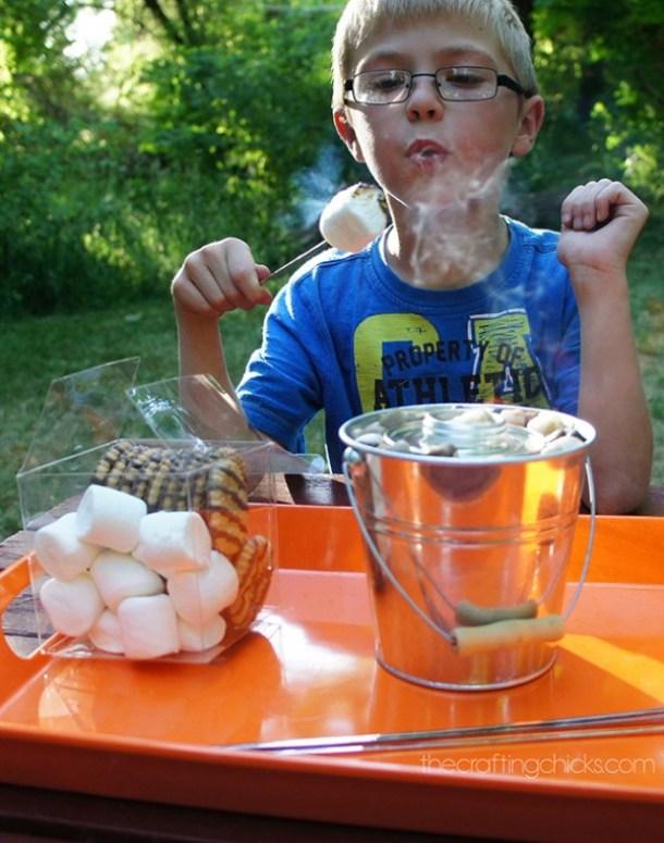 S'Mores Dessert Recipes - Table Top SMORES DIY Tutorial - instant campfire to make smores via The Crafting Chicks