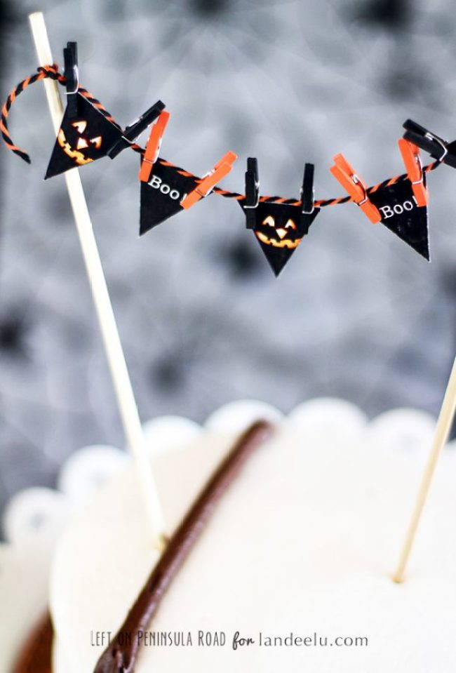 Halloween Mini Bunting for topping cakes and desserts.