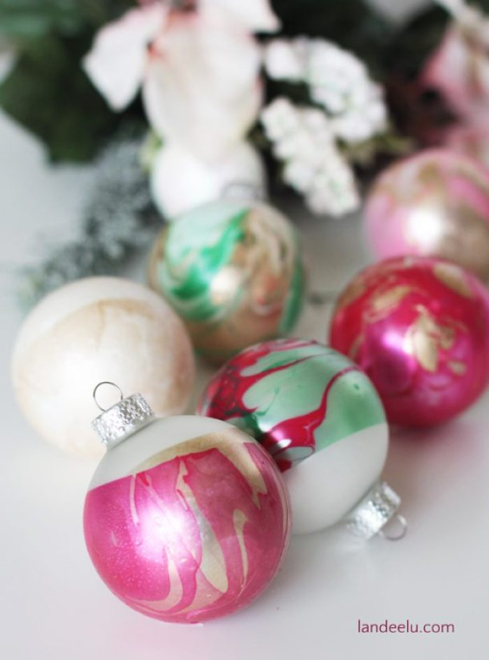 These DIY ornaments look like so much fun and I LOVE how they turn out!  I want to do this to all of my plain ornaments!