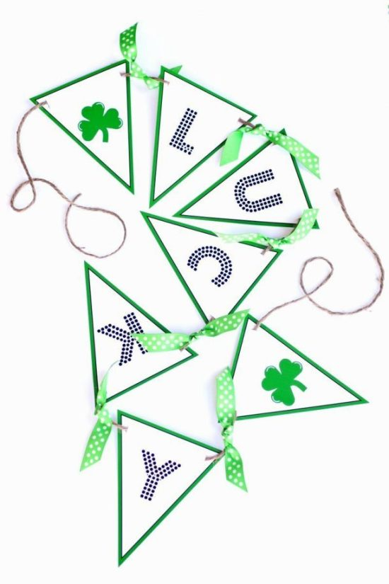 Free Printable St. Patty's Day Lucky Banner via The TOMKAT Studio