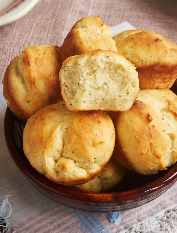 """Cracked Pepper Sour Cream Rolls Recipe   Bake or Break """"Get everything you love about homemade yeast rolls in a quick and easy package with these Cracked Pepper Sour Cream Rolls."""""""