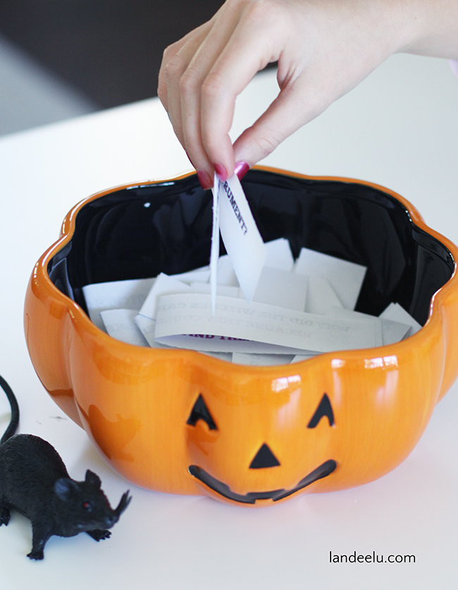 Print and cut apart these hilarious Halloween jokes and tell them at a classroom Halloween party!