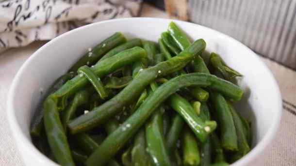 Instant Pot Garlic Butter Green Beans | Soulfully Made