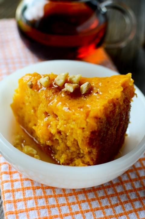 Crockpot Pumpkin Dump Cake | Tammilee Tips