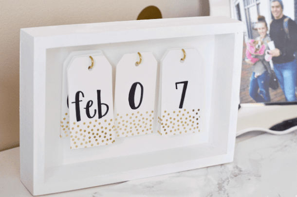DIY Desk Calendar | All Things Pretty and Pink