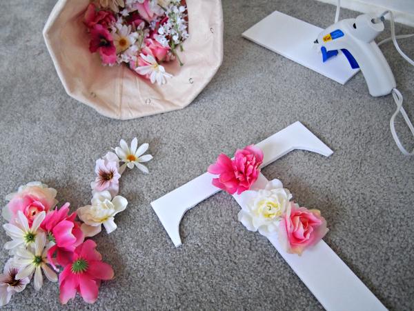 DIY Flower Monogram | Decoist