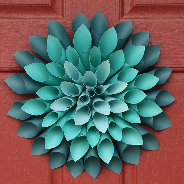 How to Make a Paper Dahlia Wreath | Mommity