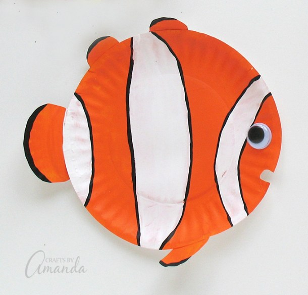Paper Plate Tropical Fish | Crafts by Amanda