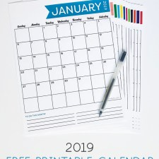 Get this free 2019 printable calendar and use it for anything you want! Organize your family, track habits, plan events... lots of uses! Monthly to do list is included at the bottom too! #2019calendar #freecalendar #free2019calendar #organizationprintable