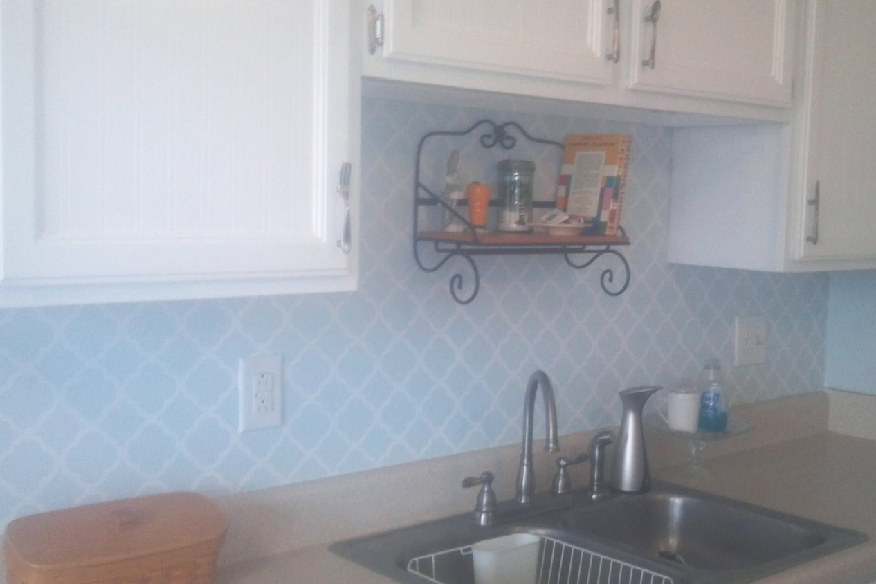 Vinyl Quatrefoil Backsplash Projects - landeelu.com