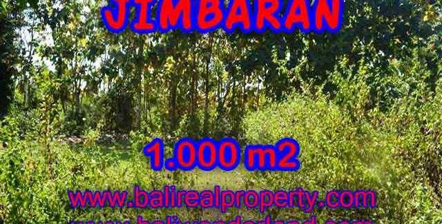 1,000 m2 LAND IN Jimbaran Ungasan BALI FOR SALE TJJI071