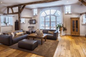 Wohnzimmer im Landhausstil modern einrichten   Kreutz ...