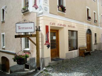 Nusstorte der Bäckerei Giacometti aus Lavin