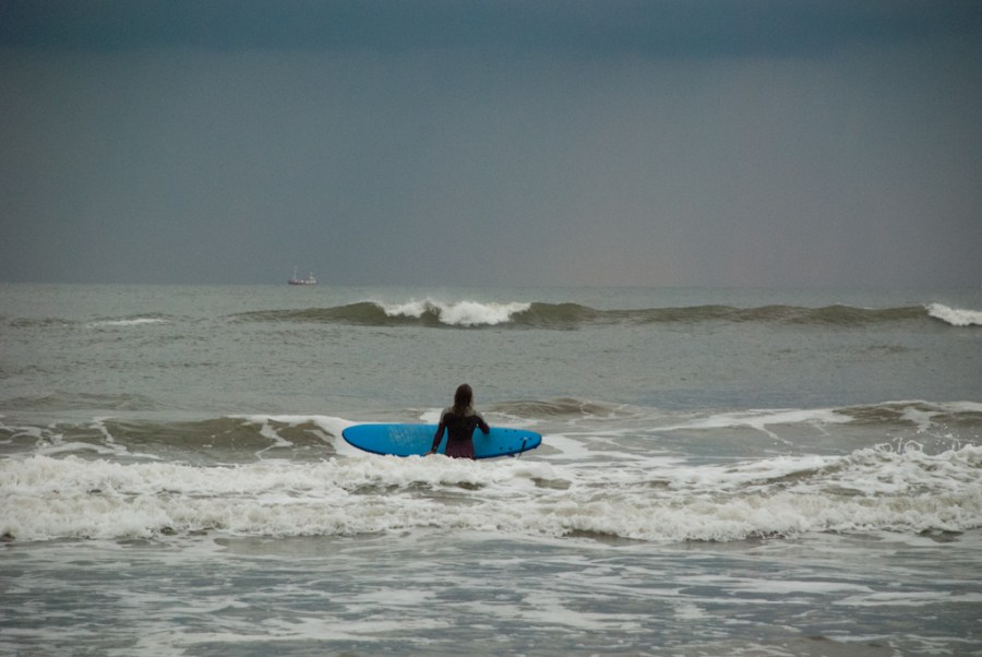 Sunrise Surf in Bloemendaal (Holland)