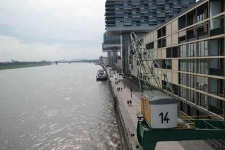 Über 7 Brücken — Rheinauhafen