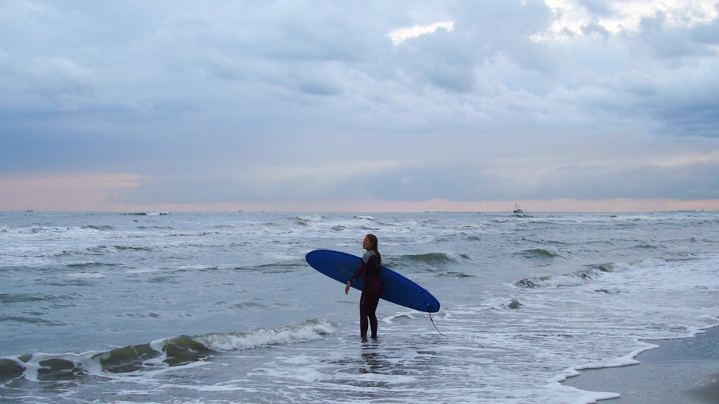 Sunrise Surf in Holland