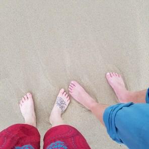 Unsere tägliche Routine: erstmal spazieren am Strand