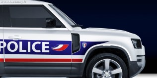 2020-land-rover-defender-rendered-as-various-police-cars_13