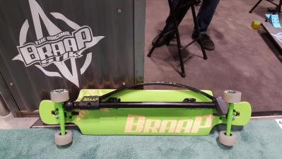 braapstik land paddle clipped to longboard