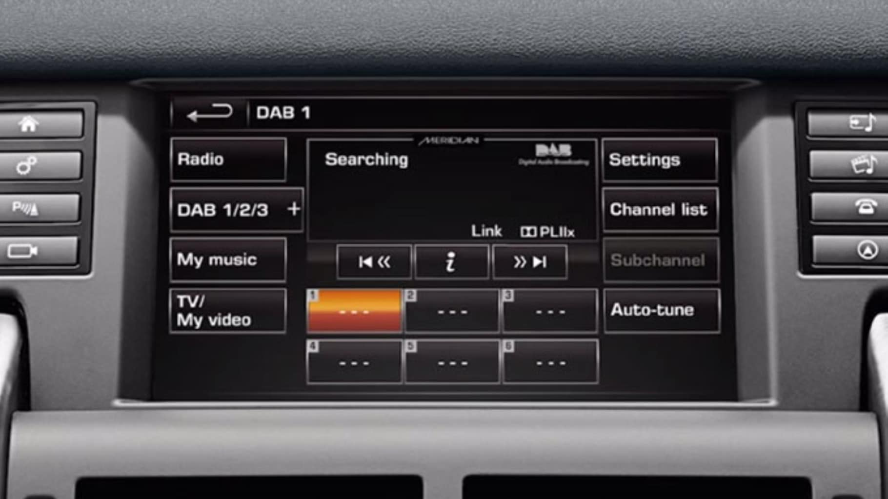 discovery sport incontrol touch plus digital audio broadcasting radio [ 1820 x 1023 Pixel ]