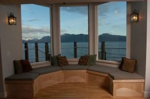 702 window seat & view