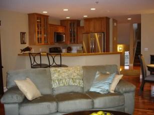 710 kitchen & livingroom