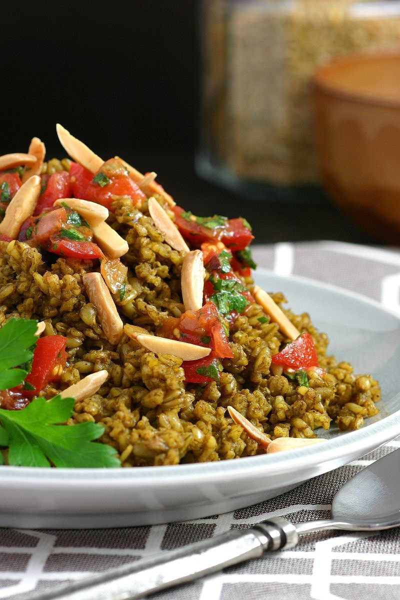 The deep, roasted flavor of freekeh plus a blend of fragrant herbs and spices equals my recipe for Herbed and Spiced Freekeh!