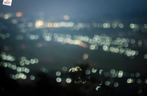 lampu kota di kejauhan