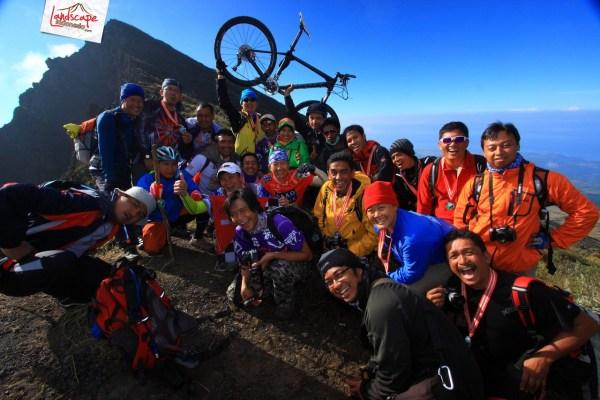 sjn xi tambora widhibek 00 tn - Widhi Bek : Dengan Kamera Berkeliling Indonesia