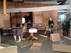 8 Writers artist in residence, 2017-2020, this location: Studium Generale ArtEZ, Enschede Oorspronkelijk ontworpen voor een auteur is dit een uiterst flexibel kantoor gebleken voor artistiek onderzoek op verschillende locaties. Het kenmerkt zich bovenal door een direct gevoel van territorium en daarmee wisselt de locatie tijdelijk van eigenaar.