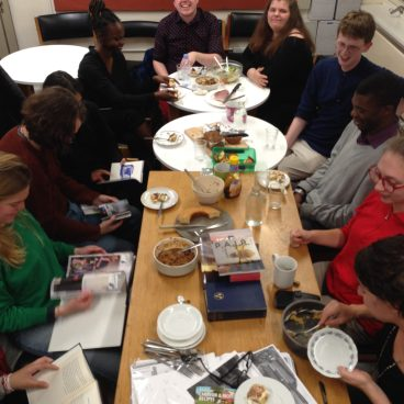 Discussing and eating with young artists and students