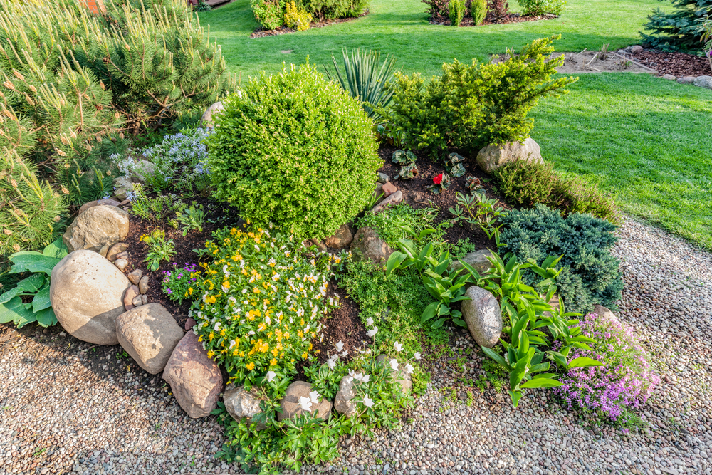 Landscaping Ideas Using Pavers And Pebbles