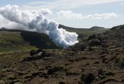 Sumar við á Hellisheiði við Hellisheiðarvirkjun.