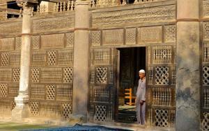Hidden mosque in Old Cairo