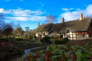 Anne Hathaway's Cottage (and where she and William lived)