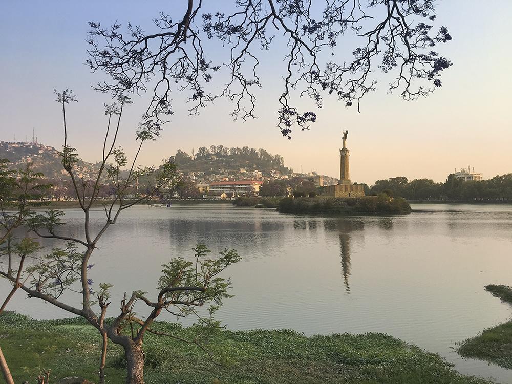 Paisagem de Antananarivo do lago Anosy