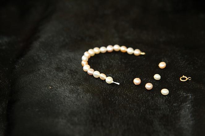Renfilage de perles